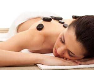 masáž lávovými kameňmi